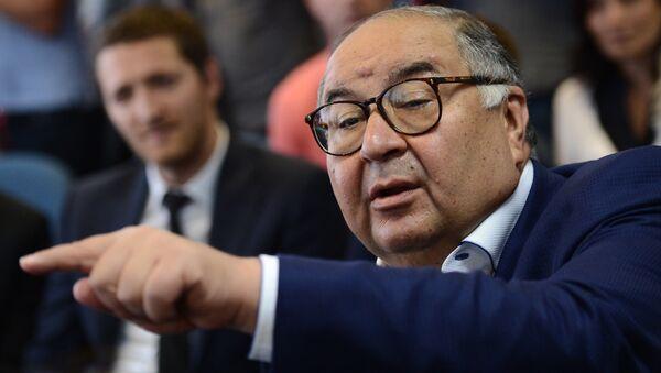 Osnovatel USM Holdings, prezident Mejdunarodnoy federatsii fextovaniya Alisher Usmanov - Sputnik Oʻzbekiston