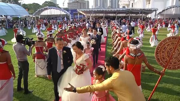 50 пар провели бракосочетание в Шри-Ланке - Sputnik Узбекистан