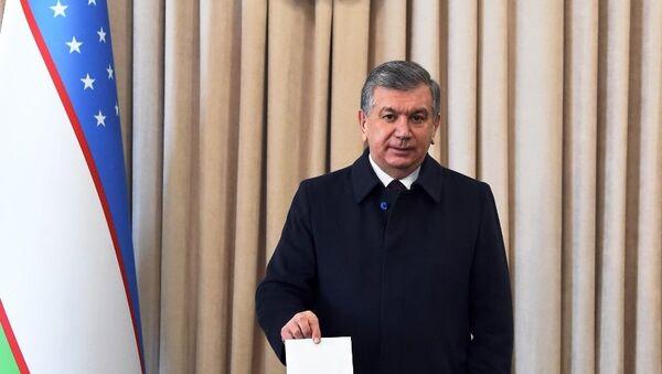 Президент Мирзиёев голосовал на выборах депутатов города Ташкента - Sputnik Ўзбекистон