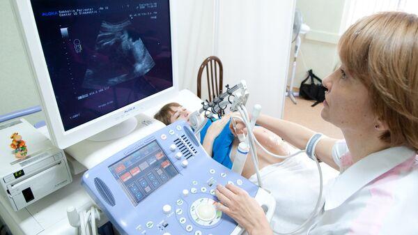 Ультразвуковое исследование беременной женщины - Sputnik Узбекистан