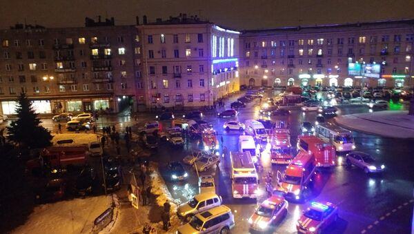 Взрыв в Перекрестке в Санкт-Петербурге. 27 декабря 2017 - Sputnik Ўзбекистон