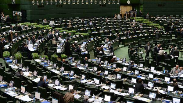 В зале заседаний парламента Ирана - Sputnik Узбекистан