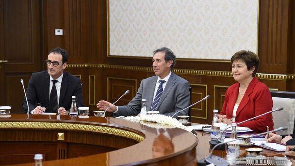 Президент Узбекистана принял делегацию Всемирного банка - Sputnik Ўзбекистон
