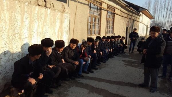 Семьи жертв сгоревших в автобусе в Казахстане - Sputnik Ўзбекистон
