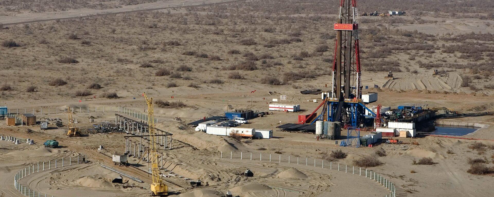 Газовое месторождение в Узбекистане - Sputnik Узбекистан, 1920, 14.04.2021