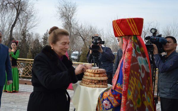 Tatyana Karimova v Nukuse - Sputnik Oʻzbekiston
