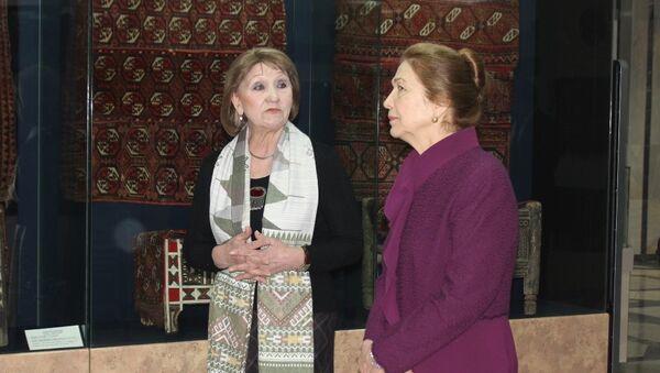 Tatyana Karimova v muzeye Iskusstv im. Savitskogo v Nukuse - Sputnik Oʻzbekiston