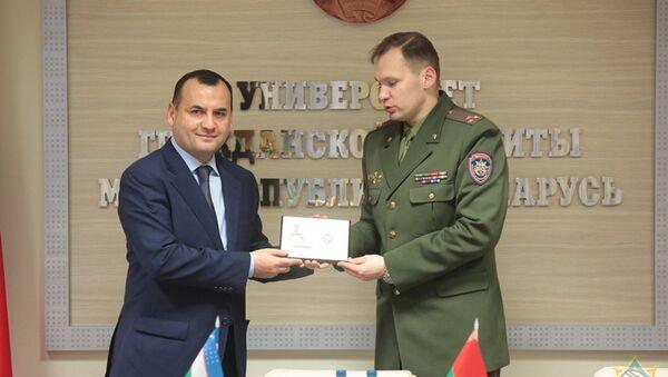 Делегация МЧС Узбекистана посещает Беларусь - Sputnik Узбекистан