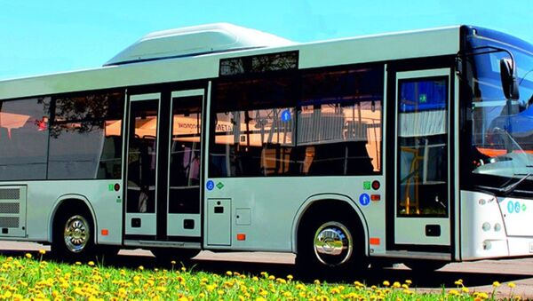 Низкопольный городской автобус МАЗ Lotos - Sputnik Ўзбекистон