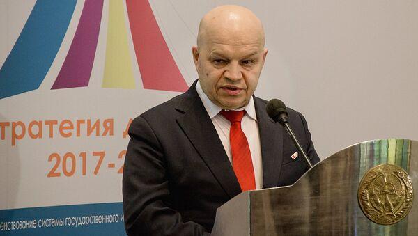 Sovetnik prezidenta Mejdunarodnoy assotsiatsii islamskogo biznesa Irshat Yunusov - Sputnik Oʻzbekiston
