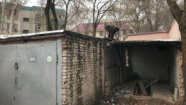 Snos kapitalnыx garajey-stoyanok v Tashkente - Sputnik Oʻzbekiston