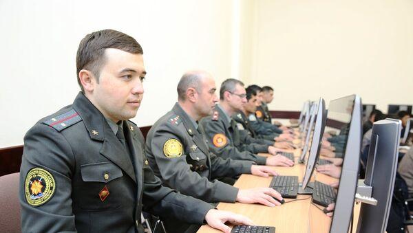 Военнослужащие обучаются в Инха - Sputnik Ўзбекистон