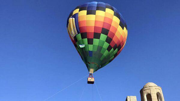 Воздушный шар в Бухаре - Sputnik Узбекистан