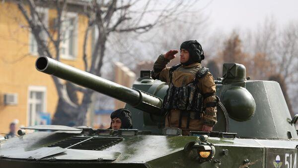 Торжественное мероприятие посвященной возвращению домой. Ташкентский военный округ, город Чирчик - Sputnik Узбекистан