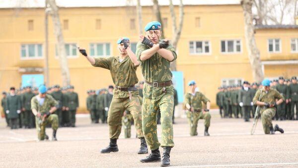 Узбекские солдаты - Sputnik Узбекистан