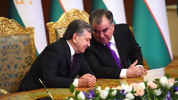Шавкат Мирзиёев и Эмомали Рахмон на переговорах в Душанбе - Sputnik Ўзбекистон