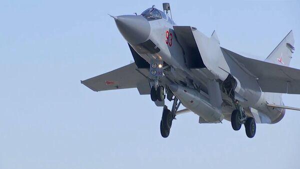 МиГ-31 ВКС провел учебный пуск гиперзвуковой ракеты Кинжал - Sputnik Ўзбекистон