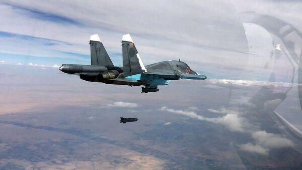 Нанесение российской боевой авиацией ударов по позициям ИГ в Сирии - Sputnik Ўзбекистон
