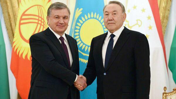 Shavkat Mirziyoyev i Nursultan Nazarbayev - Sputnik Oʻzbekiston