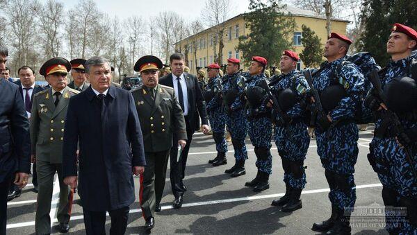 Prezident Shavkat Mirziyoyev oznakomilsya s deyatelnostyu podrazdeleniya Natsionalnoy gvardii - Sputnik Oʻzbekiston