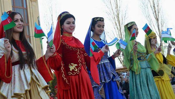 V Uzbekistane v Azerbaydjanskom Kulturnom Tsentre sostoyalsya prazdnik Novruz  - Sputnik Oʻzbekiston