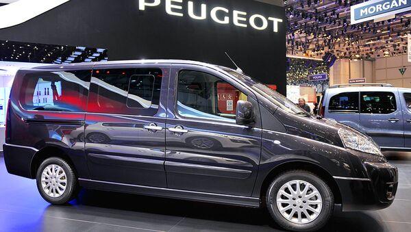 Автомобиль Peugeot Expert - Sputnik Ўзбекистон