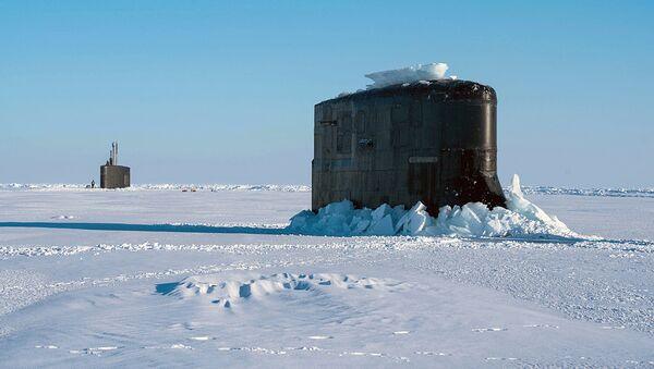 Флагман Военно-морского флота США подлодка Hartford застряла во льдах Арктики - Sputnik Узбекистан