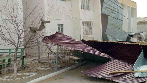 Последствия сильного урагана в Навоийской области - Sputnik Узбекистан