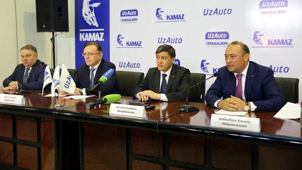 Председатель правления АО Узавтосаноат Умиджан Салимов - Sputnik Ўзбекистон
