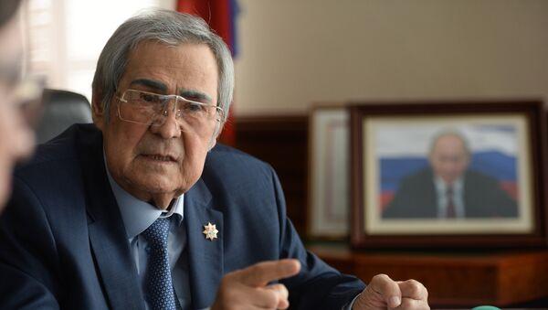 Губернатор Кемеровской области А.Тулеев - Sputnik Узбекистан