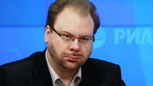 Старший научный сотрудник Российского института стратегических исследований Олег Неменский - Sputnik Узбекистан