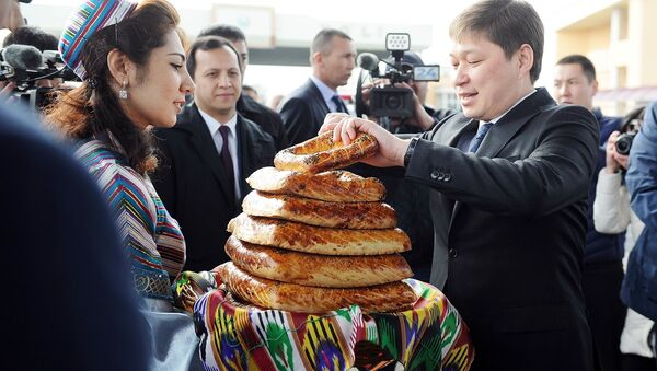 Премьер-министр Кыргызской Республики Сапар Исаков прибыл в город Фергану - Sputnik Ўзбекистон