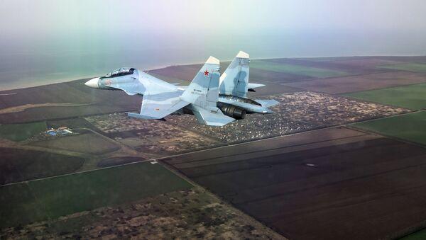Многоцелевой истребитель Су-30СМ на соревнованиях в рамках Международного конкурса «Авиадартс-2018» в Краснодарском крае - Sputnik Ўзбекистон