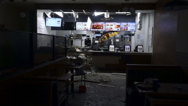 Последствия взрыва в ресторане Burger King в Ереване - Sputnik Ўзбекистон