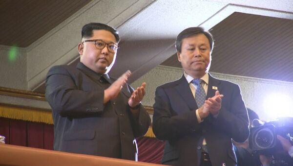Южнокорейская группа выступила в Пхеньяне - Sputnik Ўзбекистон