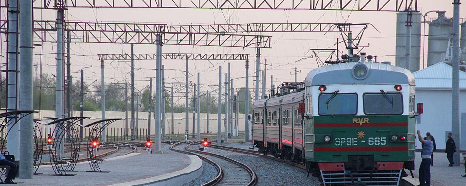 Обсуждены аспекты строительства, финансирования и протяженность железной дороги - Sputnik Узбекистан, 1920, 16.07.2020