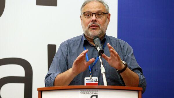 Российский экономист, аналитик, политолог Михаил Хазин - Sputnik Узбекистан