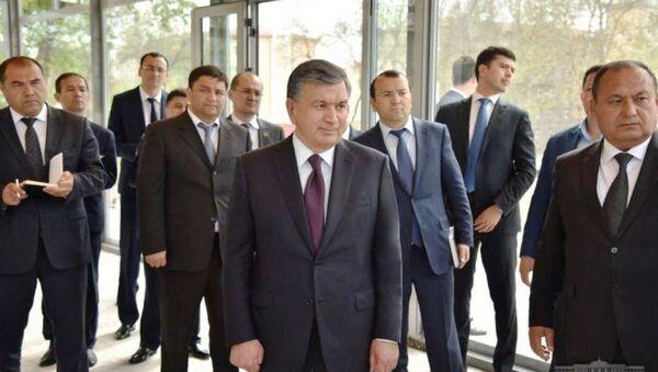 Шавкат Мирзиёев ознакомился с новыми домами, построенным в Яшнабадском районе - Sputnik Ўзбекистон