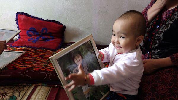 После страшного наезда — как живет малышка, оставшаяся без мамы и ноги - Sputnik Ўзбекистон