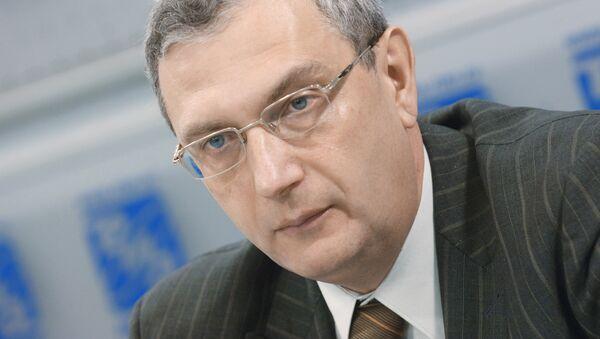 Председатель общероссийской общественной организации Движение автомобилистов России Виктор Похмелкин - Sputnik Узбекистан