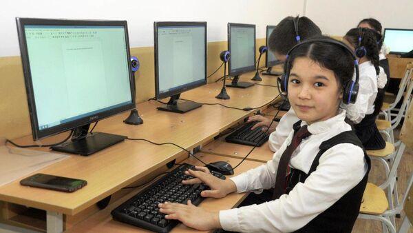 Ученицы узбекской школы - Sputnik Ўзбекистон