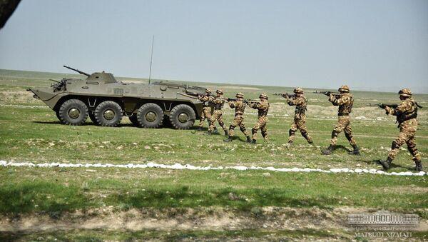Учения армии Узбекистана на полигоне Фориш - Sputnik Узбекистан