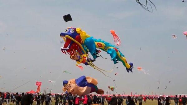 Фестиваль воздушных змеев в Китае - Sputnik Узбекистан