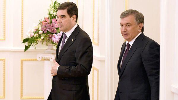 Президент Узбекистана Шавкат Мирзиёев и Президент Туркменистана Гурбангулы Бердымухамедов - Sputnik Узбекистан