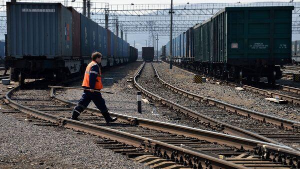 Крупнейшая припортовая ж/д станция Дальневосточной железной дороги Находка - Восточная - Sputnik Узбекистан