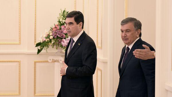 Prezidentы Turkmenistana i Uzbekistana - Gurbangulы Berdыmuxammedov i Shavkat Mirziyoyev - Sputnik Oʻzbekiston