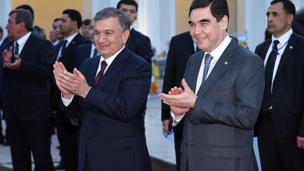 Президенты Туркменистана и Узбекистана - Гурбангулы Бердымухаммедов и Шавкат Мирзиёев - Sputnik Ўзбекистон