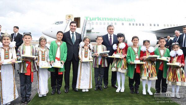 Президент Туркменистана Гурбангулы Бердымухамедов и глава Узбекистана Шавкат Мирзиёев - Sputnik Ўзбекистон