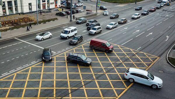 Новая разметка вафельница на перекрестках в Москве - Sputnik Ўзбекистон