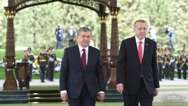 Президенты Узбекистана и Турции - Шавкат Мирзиёев и Реджеп Эрдоган - Sputnik Ўзбекистон
